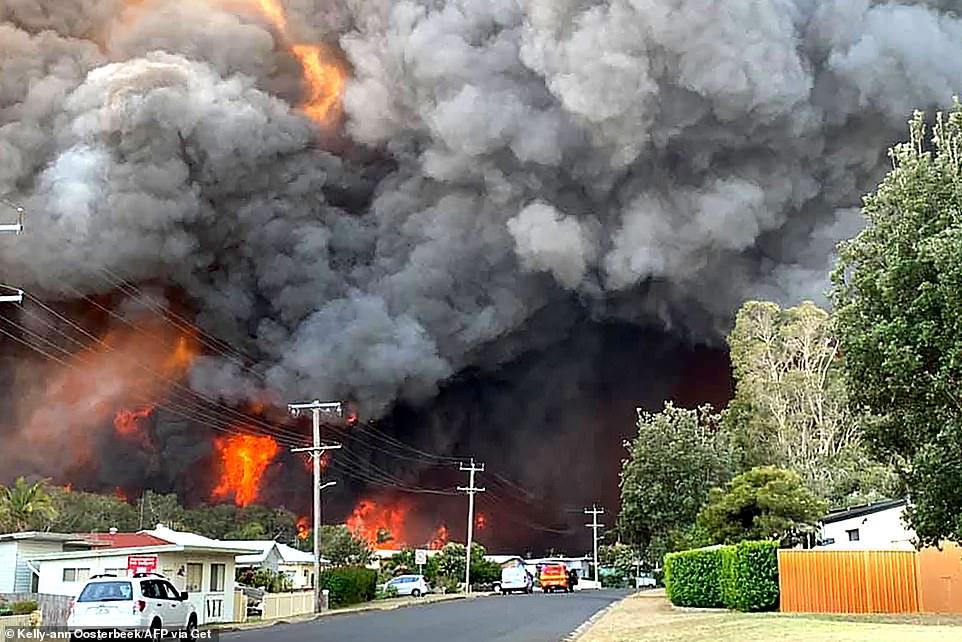 Fires raging through Australian neighbourhood